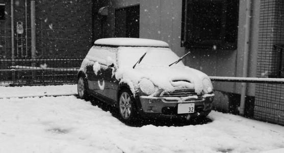 MINIに積雪