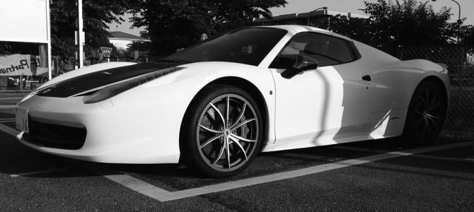 コインパーキングの Ferrari 458 spider