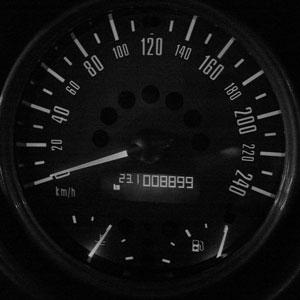 8899km
