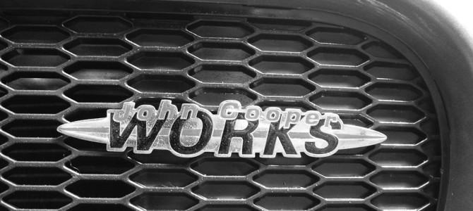 John Cooper WORKS のエンブレム